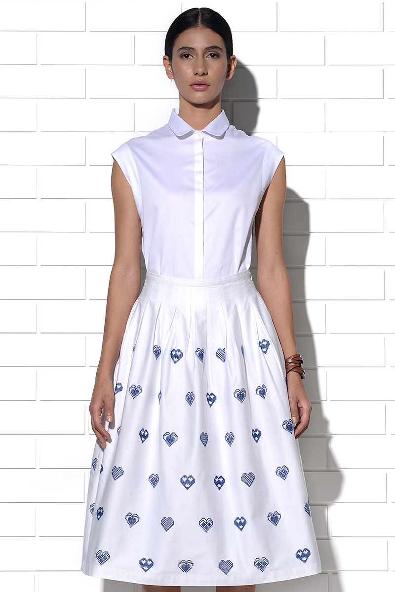 Corfu skirt in white with blue hearts embroidery