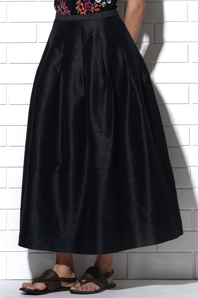 Tavolara skirt in black