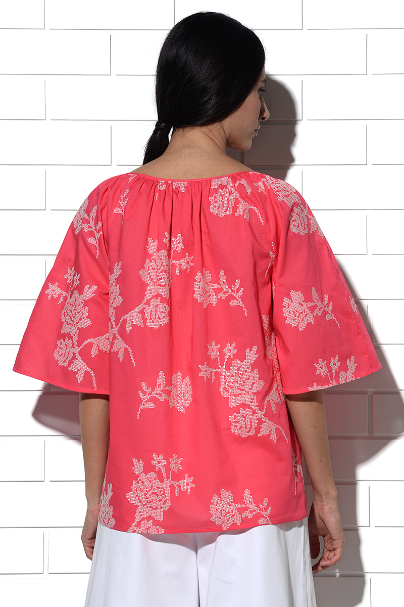 Paros gathered Top in pink with rose embroidery