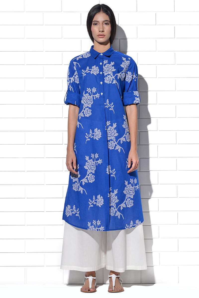 Santorini Tunic in blue with rose embroidery