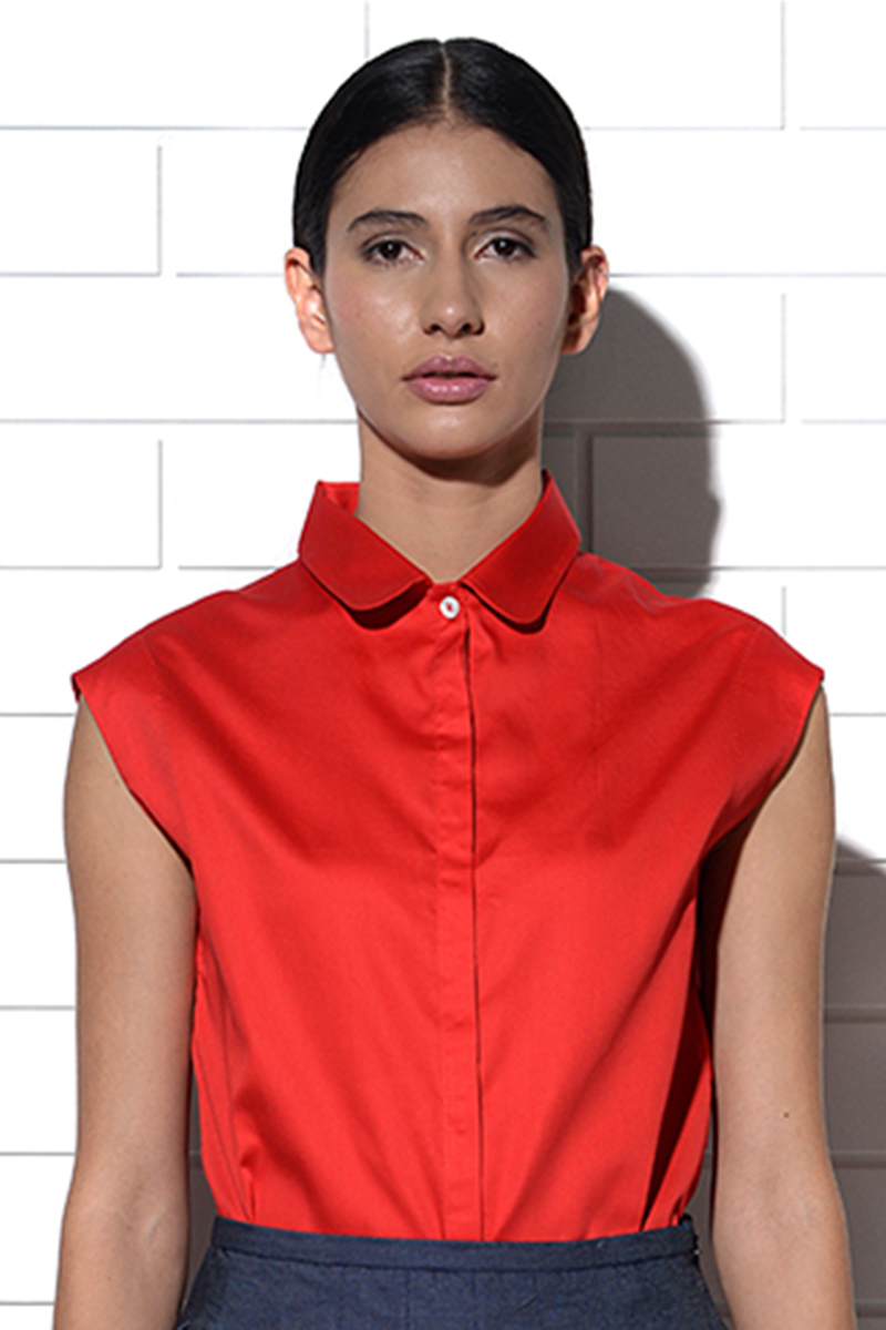 Meganisi collared top in red