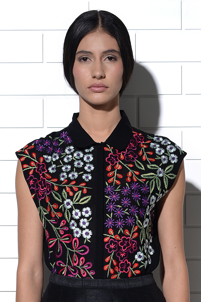 Dia floral burst embroidered top in black