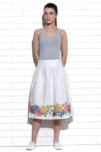 Coromell waisband skirt with pleats and rose cross stitch embroidery