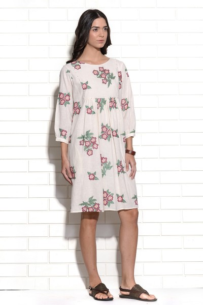 Carmine floral embroidery dress