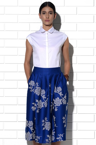 Cyprus skirt in blue with rose embroidery