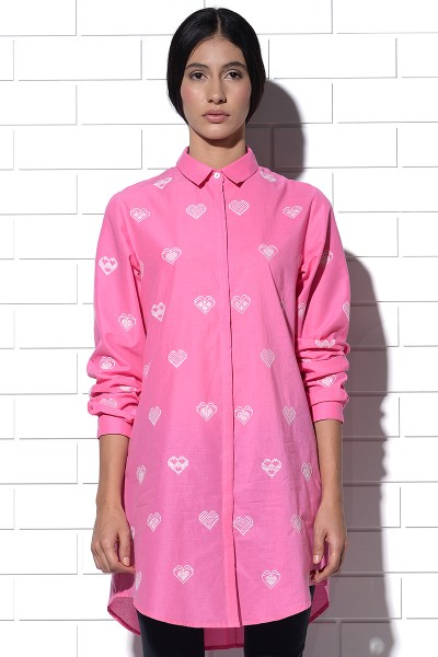 Amalfi long shirt in pink with hearts embroidery